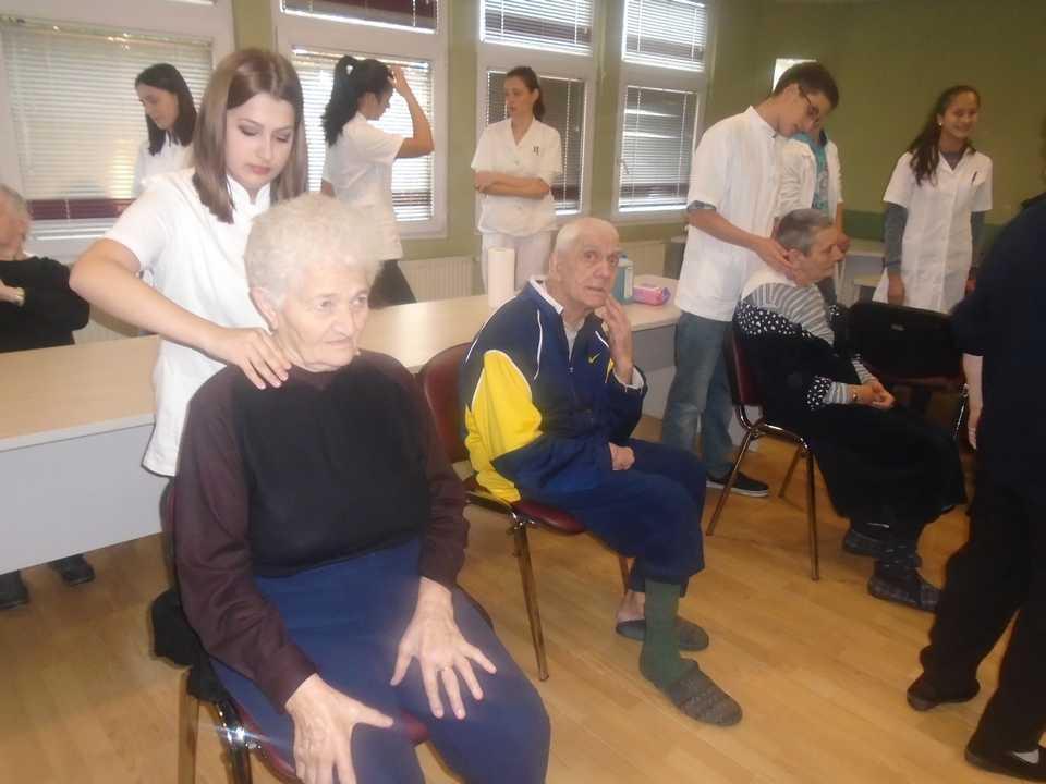 Poseta srednje medicinske škole iz Ćuprije – Gerontološki centar Jagodina – slika 6