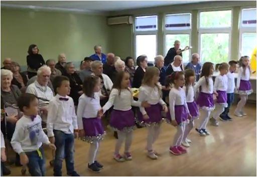 Предшколци у Геронтолошком центру у Јагодини - 03.10.2017. године