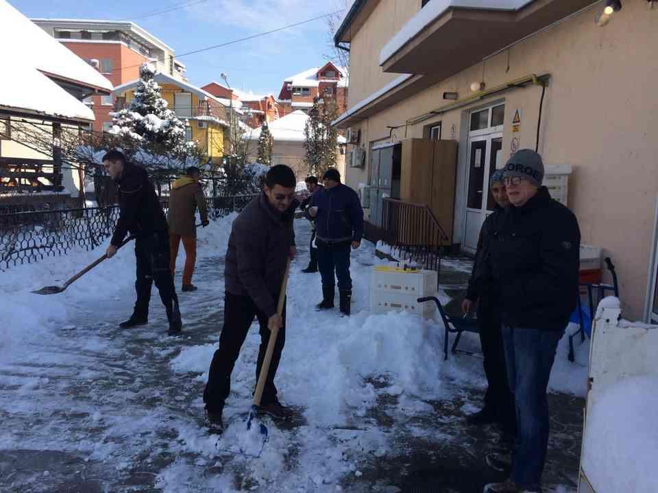 Акција чишћења снега - ГЦ Јагодина - слика 3