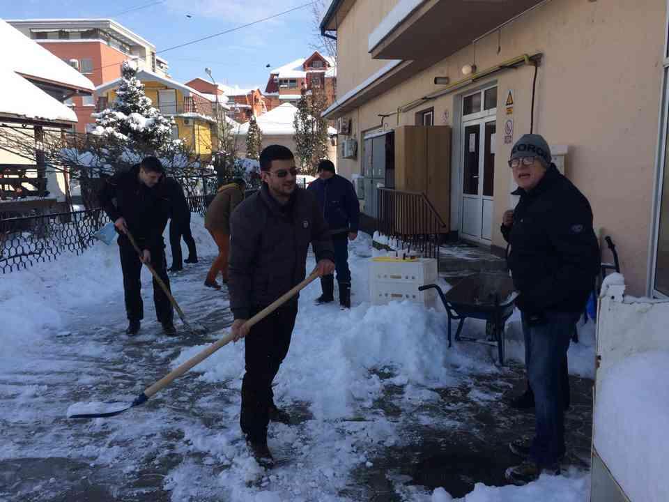 Акција чишћења снега - ГЦ Јагодина - слика 4