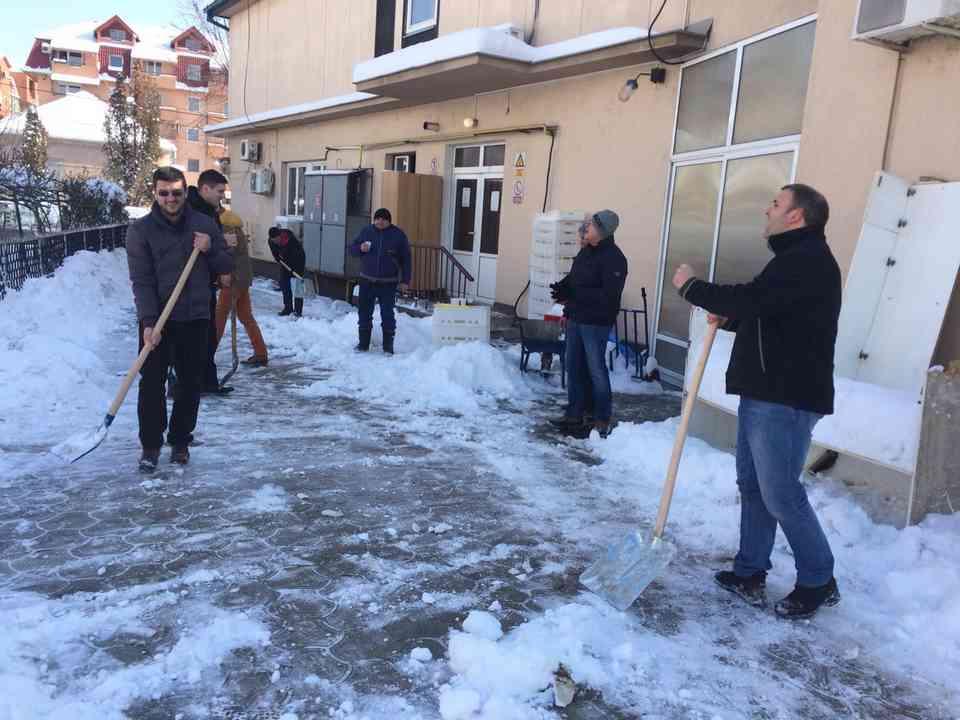 Акција чишћења снега - ГЦ Јагодина - слика 5