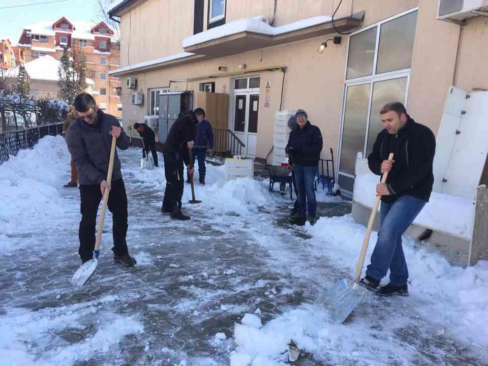 Акција чишћења снега - ГЦ Јагодина - слика 6