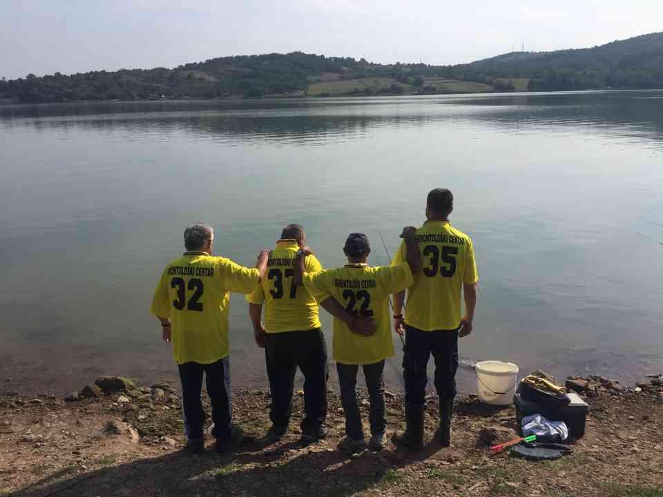 Риболовачка секција корисника ГЦ Јагодина на Гружанском језеру - сл. 7