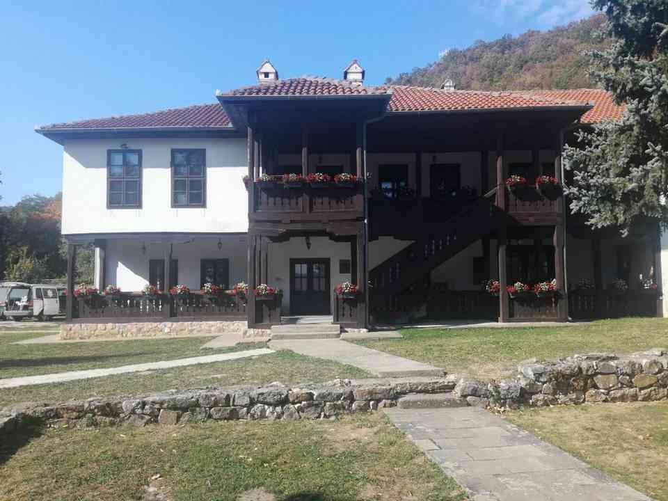 Група корисника ГЦ Јагодина у посети манастиру Јошаница - октобар 2018. године - сл. 4