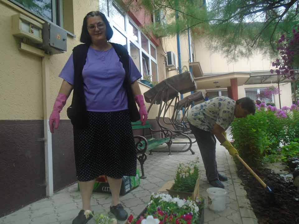 Уређење дворишта и парка ГЦ Јагодина - слика 4