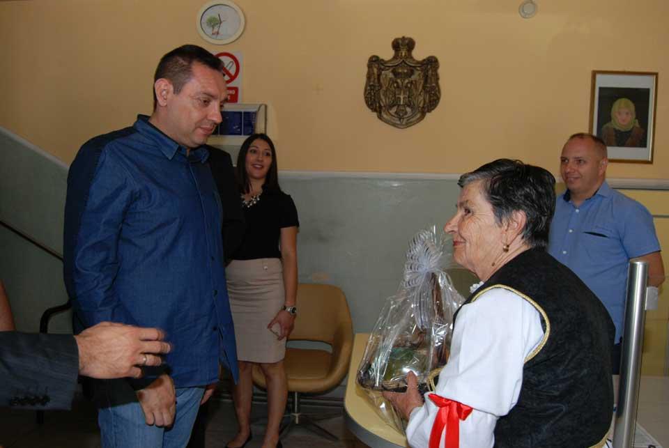 Poseta ministra Vulina Gerontološkom centru u Jagodini - slika 22