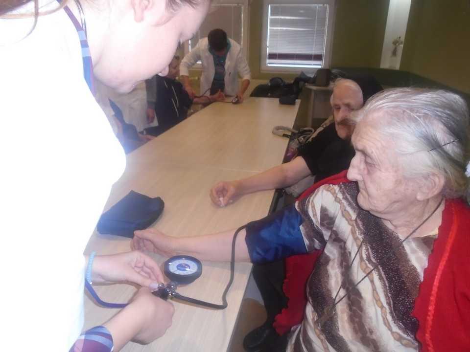 Poseta srednje medicinske škole iz Ćuprije – Gerontološki centar Jagodina – slika 8