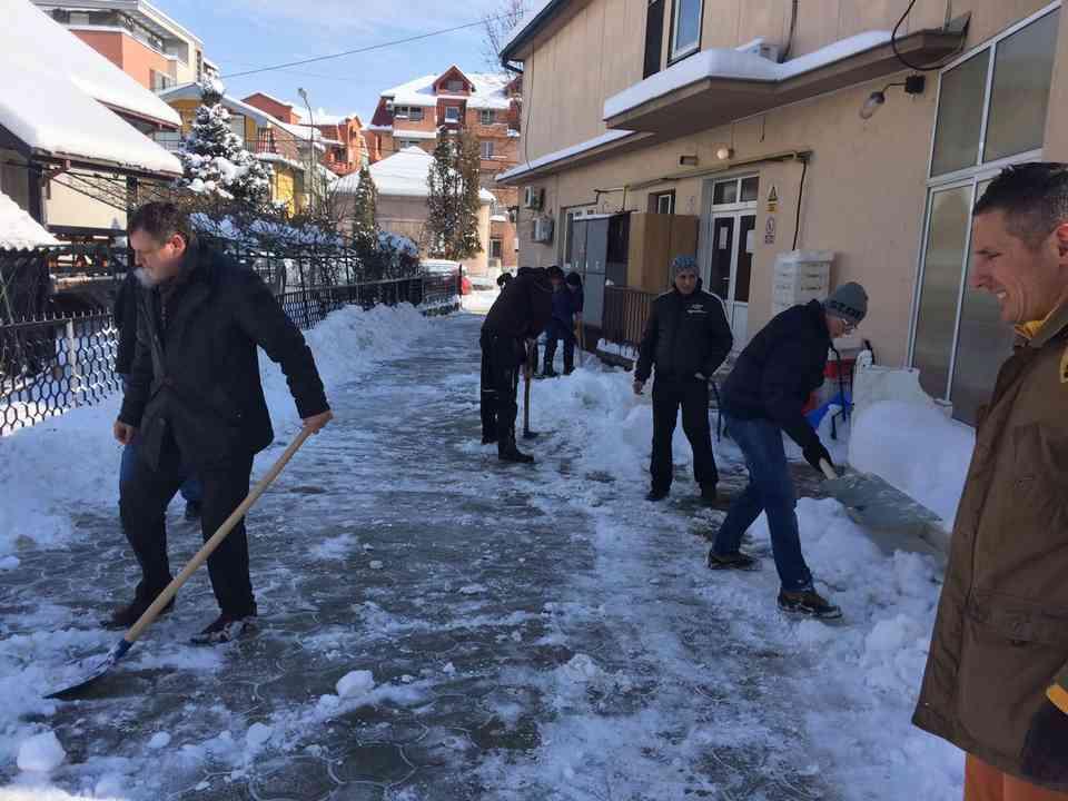 Акција чишћења снега - ГЦ Јагодина - слика 8